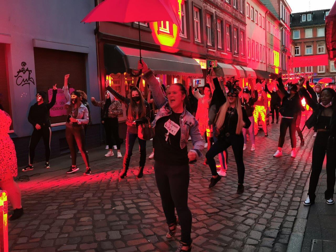 """Demonstration in Hamburg/Herbertstr.: """"Sexy Aufstand auf der Reeperbahn"""""""